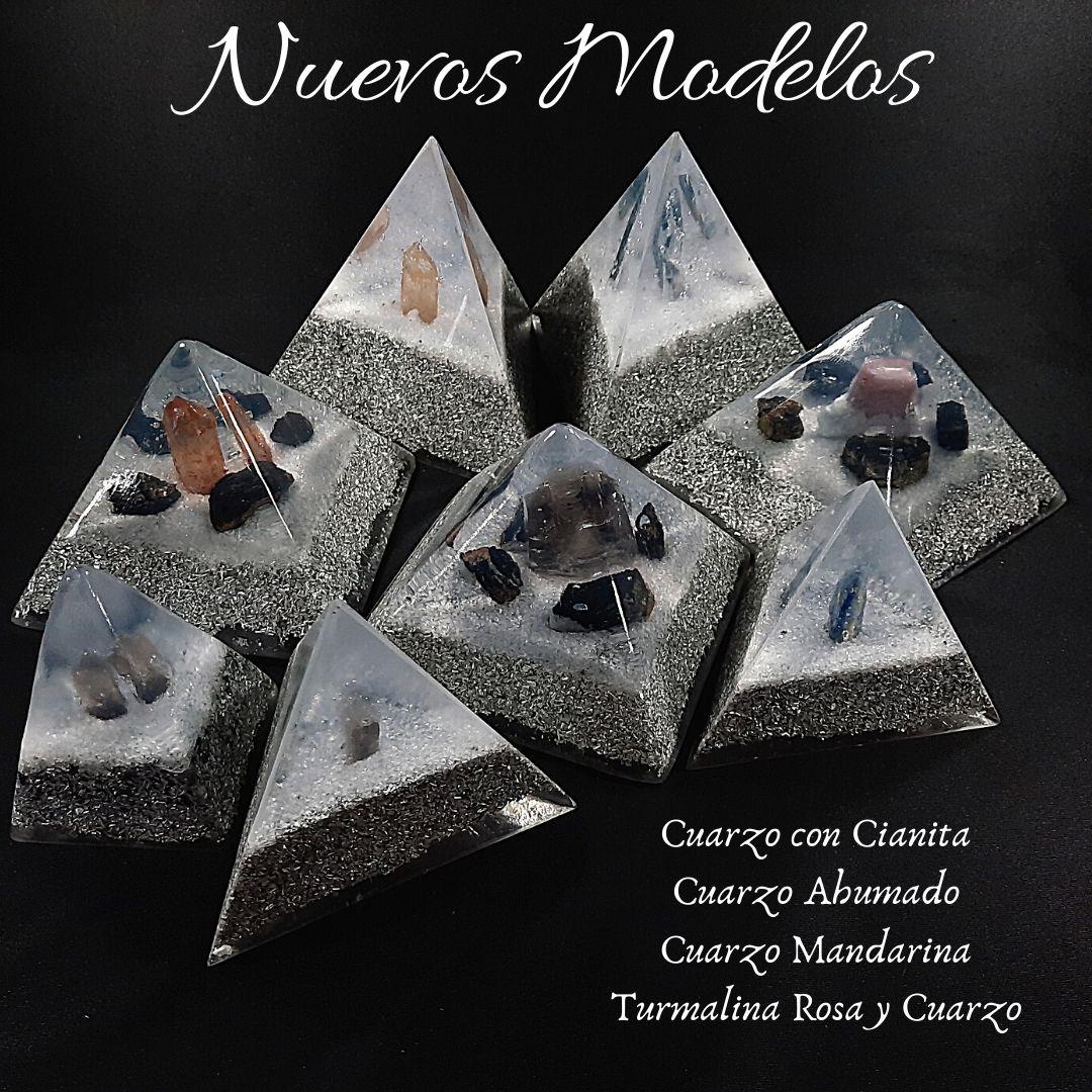 Pirámides con nuevos Cristales