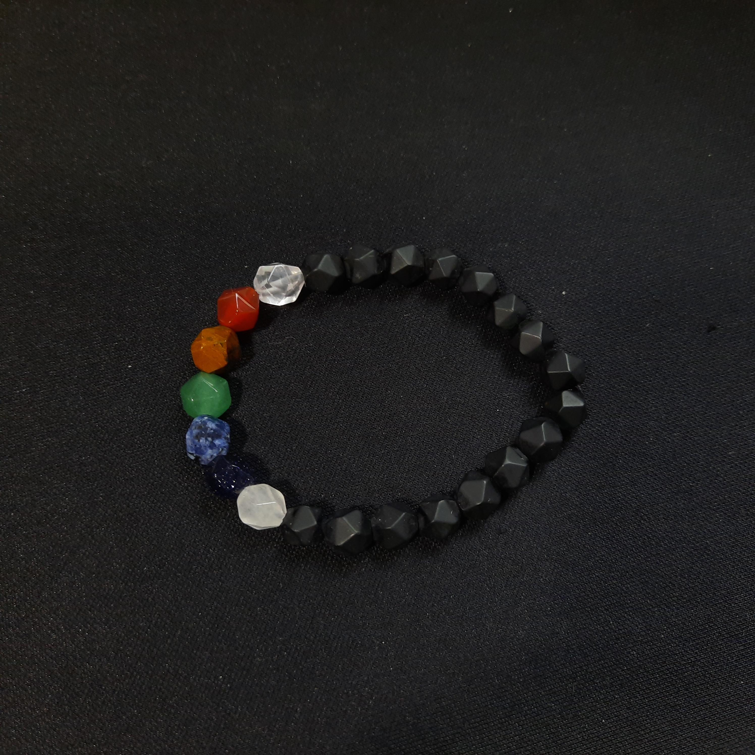 Pulsera con gemas 7 chakras fasetada